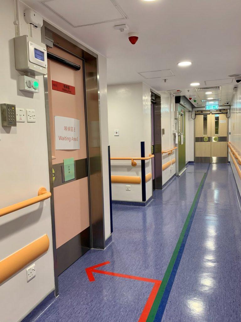 負壓隔離室設施內的走廊